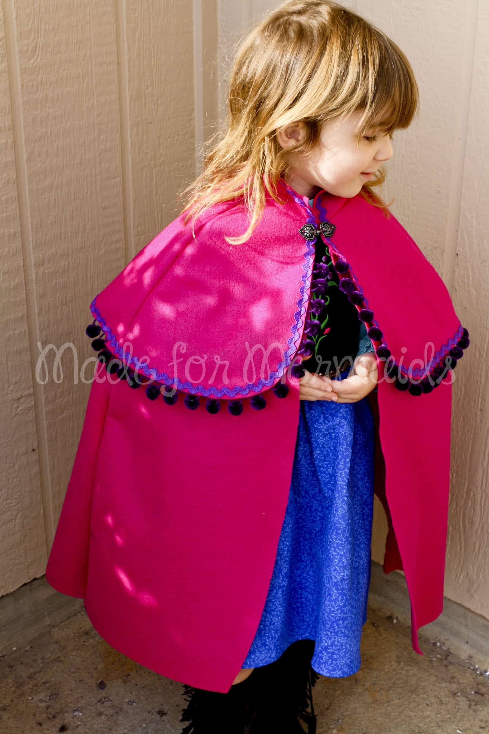 FREE Tutorial- Hooded Caplet to Anna's Cape
